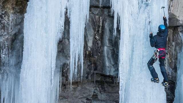 Cascade de glace Eric Fossard - Guide de Haute Montagne
