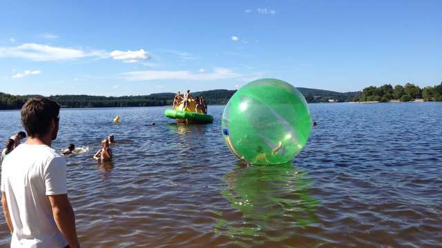Aplouf : parc aqualudique et waterballs