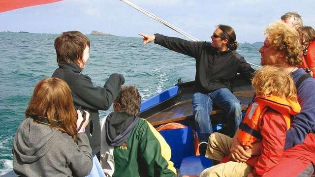Prenez la barre dans la Baie des corsaires