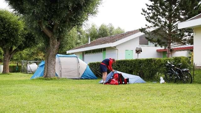 Aire de stationnement et du service du camping l'Étang à Incheville