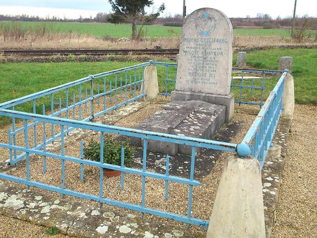 Monument de l'aviateur Quellenec à Laon