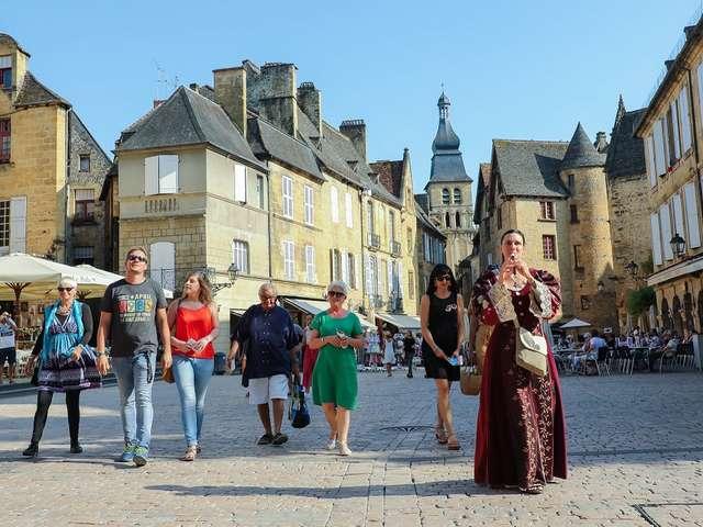 La Belle Sarladaise - Visite théâtralisée en costume