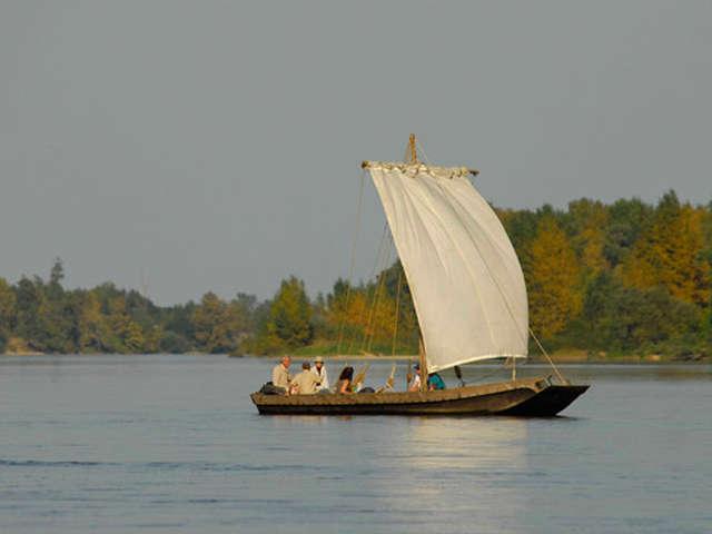 millière raboton homme de loire - Découverte de la Loire en bateau traditionnel