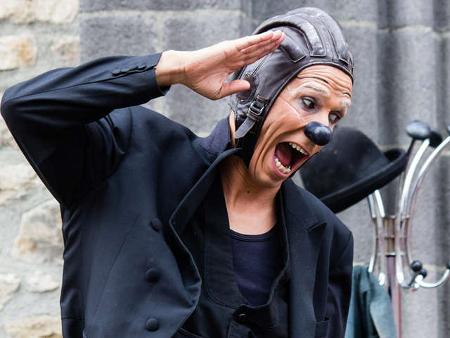 Les Vendredis de l'Été : clown : « Frigo Opus 2»