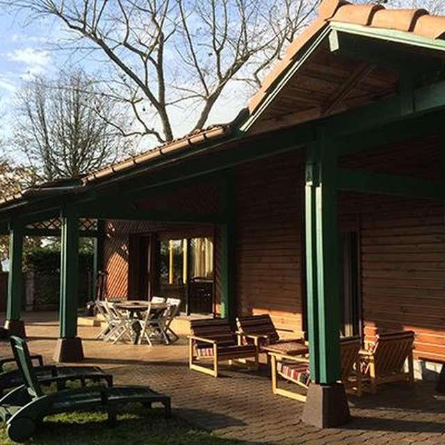 Maison renovée 3 chambres au bord du lac de Leon