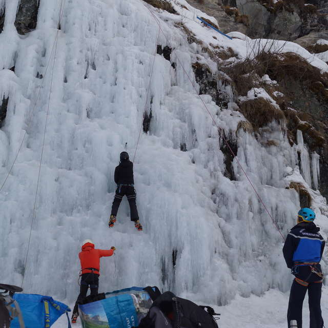 Ice Climbing Meeting - Demo a the Barmette Artifical Ice fall