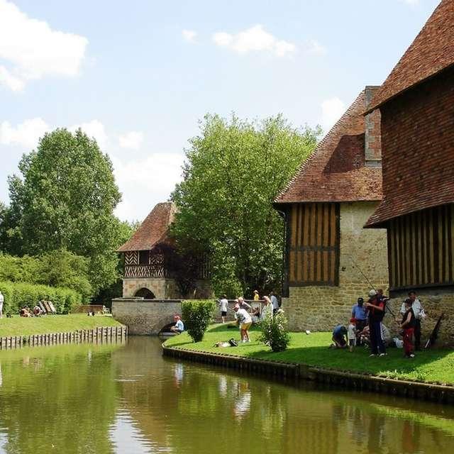 Après-midi pêche au Château de Crévecoeur-en-Auge - Animation annulée
