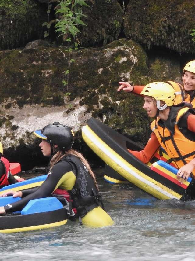 Traqueurs de Vagues – Rafting dans les Pyrénées