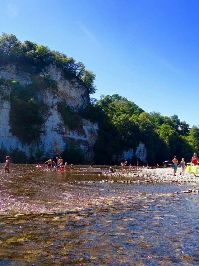 Canoës du Camping Le Rocher de la Cave