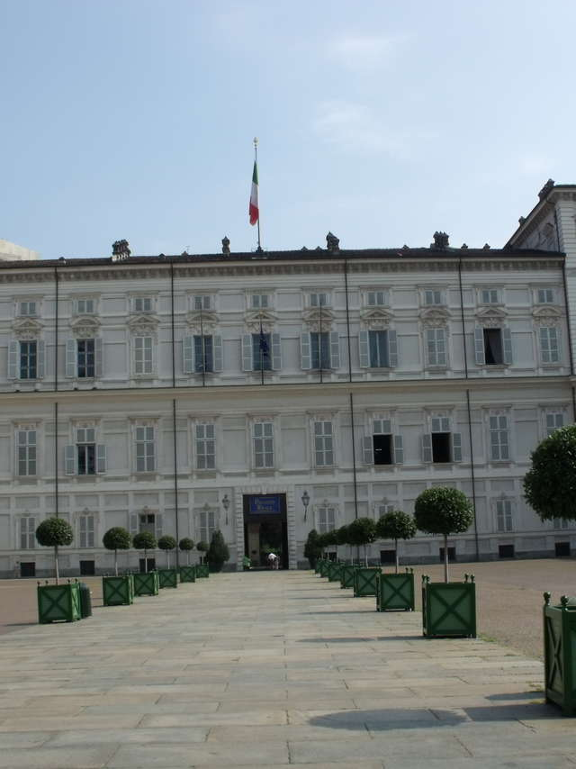Italian escapade between Turin and Susa : guided bus circuit