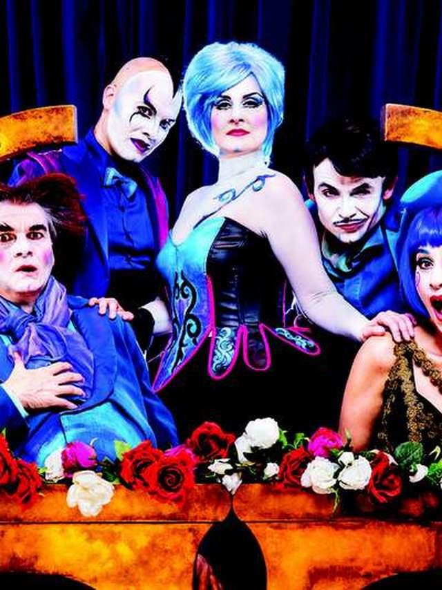 Comic opera show