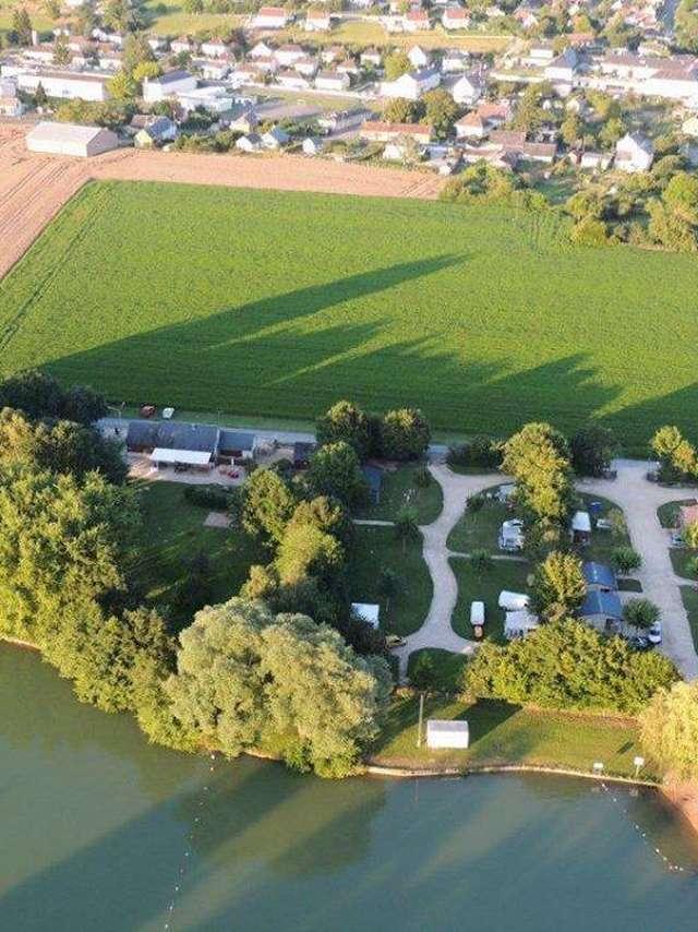 Camping du plan d'eau de La Varenne