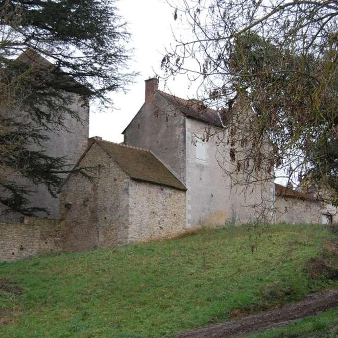 Le Pin Castle