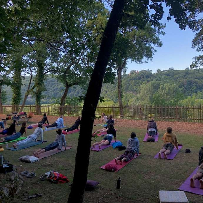 Yoga et méditation en plein air